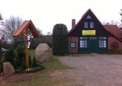 Burlandhaus 2012 Kreuz Beet anlegen 014